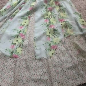 Mint Floral French Connection 3-4 feet Maxi skits